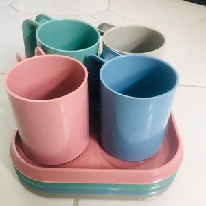 Vintage Dining - NWOT VTG Am Pro Line Plastic Cup Plate Stackable